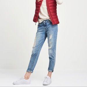 NWOT Gap Mid Rise Distressed Boyfriend Fit Jeans
